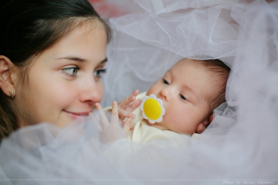 Baby and mother. Photo. Family photographer